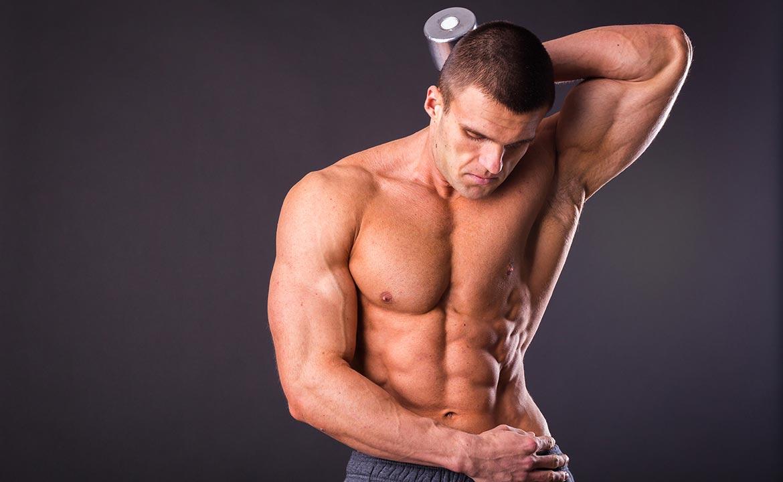 сильные крепкие и мускулистые мужики